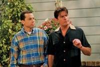 """La CBS renueva oficialmente a """"Dos Hombres y medio"""" y a """"Big Bang Theory"""""""