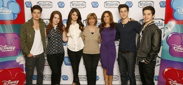 GREGG SULKIN, SELENA GOMEZ, JENNIFER STONE, JUDY DAVIS (SENIOR VICE PRESIDENT, CASTING & TALENT RELATIONS, DISNEY CHANNELS WORLDWIDE), MARIA CANALS-BARRERA, DAVID HENRIE, JAKE T. AUSTIN