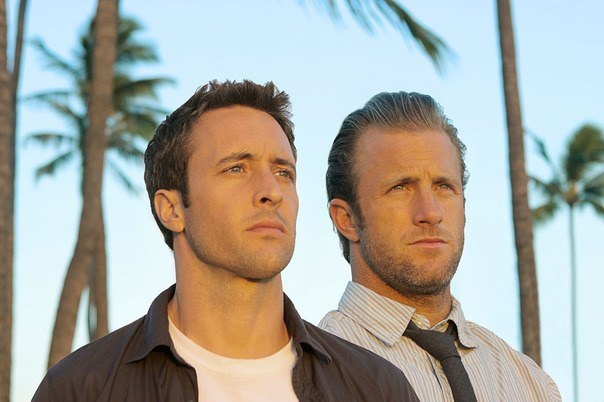Alex-OLoughlin-and-Scott-Caan-of-Hawaii-5-0_gallery_primary