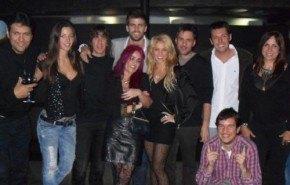 Shakira y los padres de Piqué se conocen