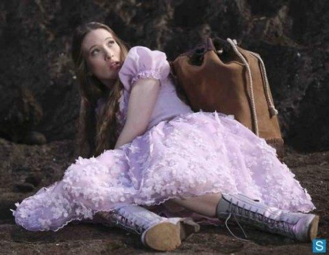 Once Upon A Time in Wonderland_595_slogo