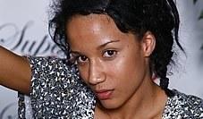 """Una de las participantes en """"Supermodelo 2008″ se rompe la nariz"""